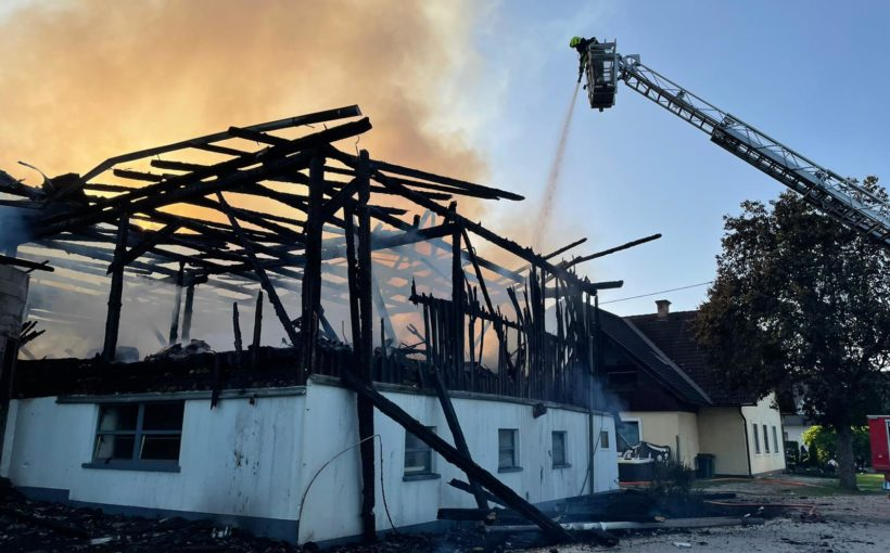 Wirtschaftsgebäudebrand in Rinkenberg